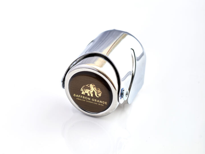 Sparkling wine stopper with woolly mammoth